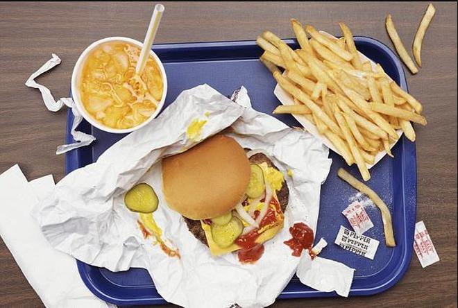 Cẩn trọng không lại rước vào thân những bệnh ung thư đường tiêu hóa từ chính chuyện ăn uống của bạn - Ảnh 4.