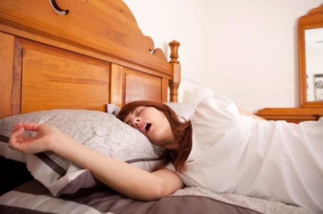 5 triệu chứng bất thường khi ngủ mà bạn không nên chủ quan xem thường - Ảnh 2.