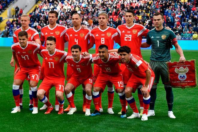 Cả thế giới dự đoán ngôi vô địch World Cup 2018, Vogue thì chọn ra Top 9 đội tuyển có đồng phục đẹp nhất! - Ảnh 13.