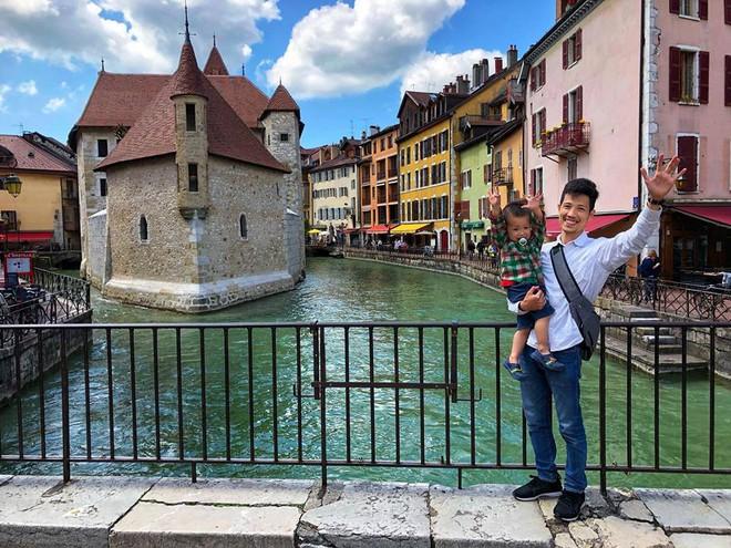 Gặp ông bố một mình lái xe 4.500km đưa 2 con và vợ chu du 9 nước Châu Âu trong 21 ngày - Ảnh 15.