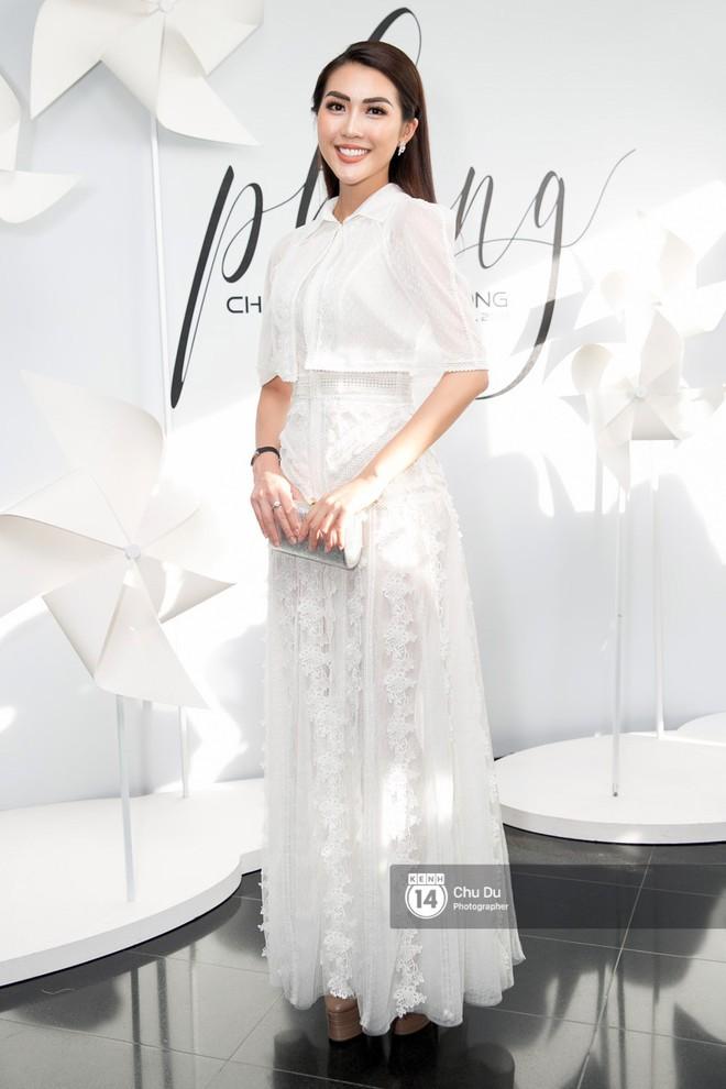 Hoa hậu Mỹ Linh lần đầu lên đồ tới hơn 3 tỷ đồng, Jun Vũ khoe vẻ đẹp mong manh tại show của NTK Chung Thanh Phong - Ảnh 14.