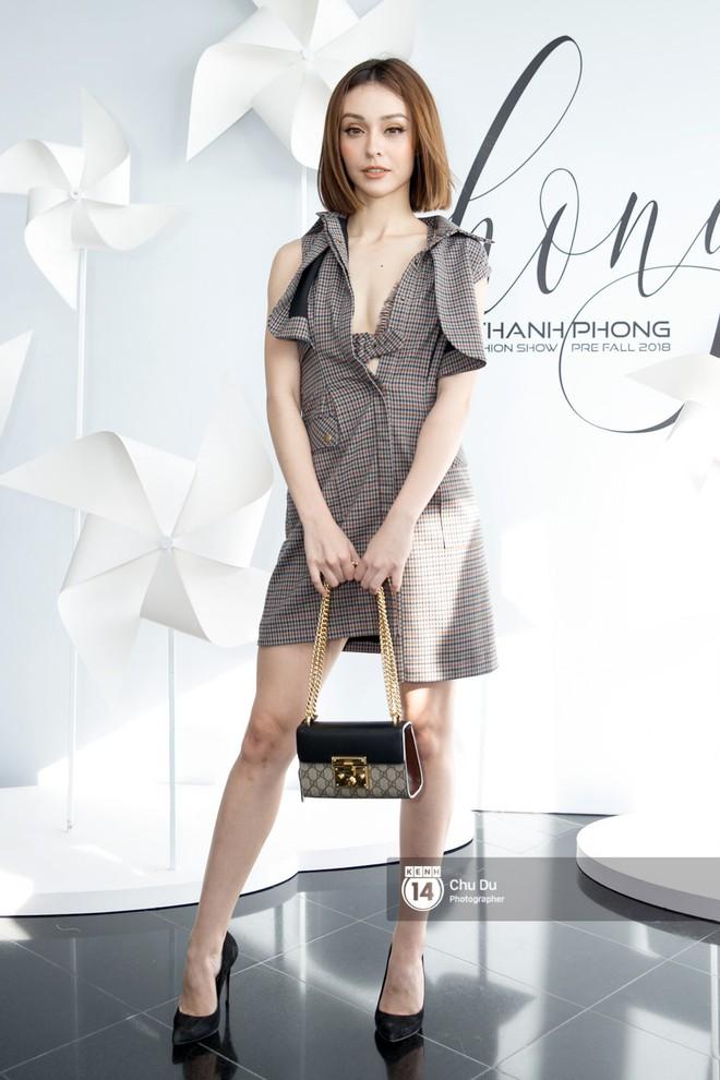 Hoa hậu Mỹ Linh lần đầu lên đồ tới hơn 3 tỷ đồng, Jun Vũ khoe vẻ đẹp mong manh tại show của NTK Chung Thanh Phong - Ảnh 15.