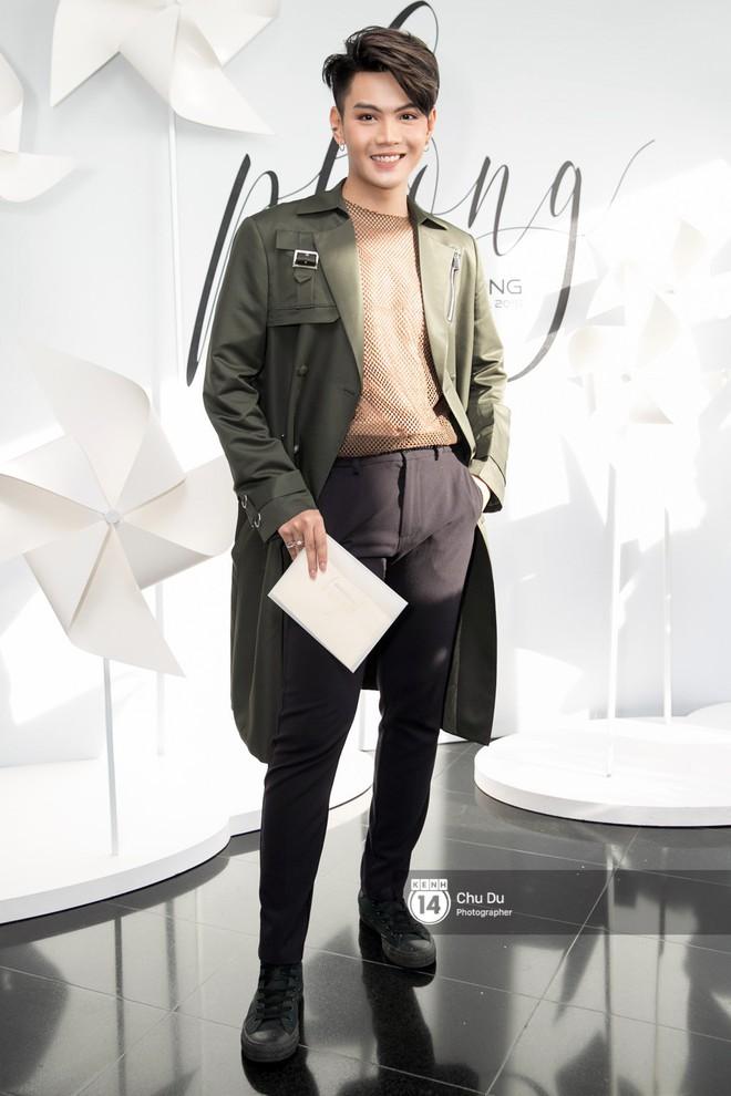 Hoa hậu Mỹ Linh lần đầu lên đồ tới hơn 3 tỷ đồng, Jun Vũ khoe vẻ đẹp mong manh tại show của NTK Chung Thanh Phong - Ảnh 18.