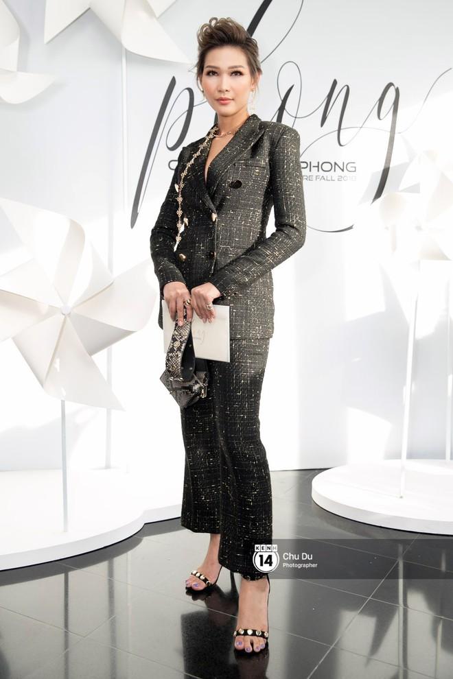 Hoa hậu Mỹ Linh lần đầu lên đồ tới hơn 3 tỷ đồng, Jun Vũ khoe vẻ đẹp mong manh tại show của NTK Chung Thanh Phong - Ảnh 20.