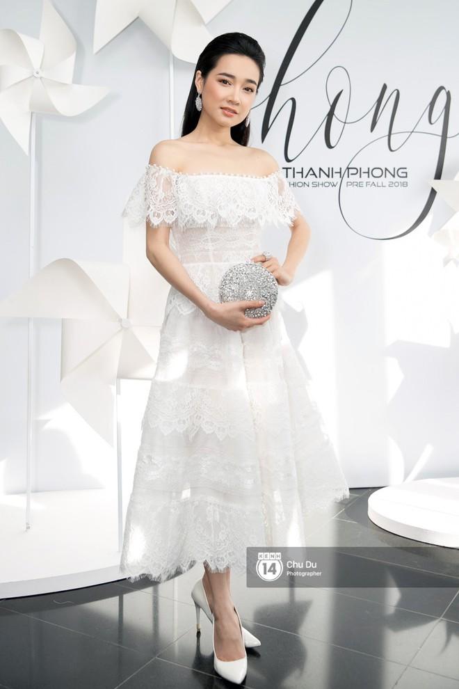 Hoa hậu Mỹ Linh lần đầu lên đồ tới hơn 3 tỷ đồng, Jun Vũ khoe vẻ đẹp mong manh tại show của NTK Chung Thanh Phong - Ảnh 5.