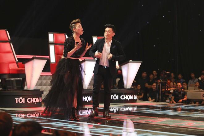 Lam Trường - Noo Phước Thịnh ngồi bệt trên sân khấu, Thu Phương dùng thủ đoạn để giành cô gái xinh đẹp - Ảnh 4.