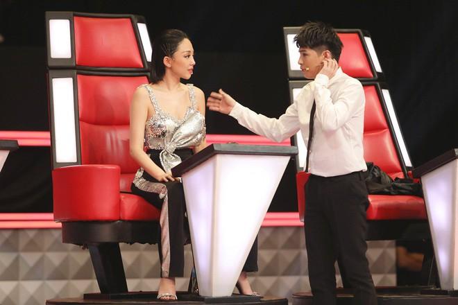 Lam Trường - Noo Phước Thịnh ngồi bệt trên sân khấu, Thu Phương dùng thủ đoạn để giành cô gái xinh đẹp - Ảnh 6.
