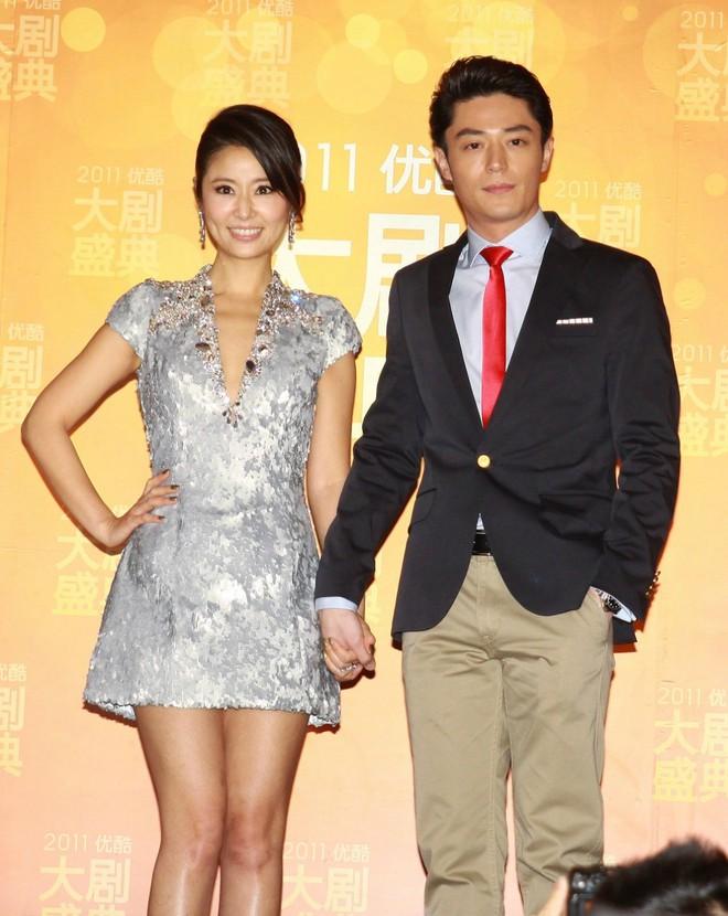 """Báo tin hỉ """"từ trên trời rơi xuống"""", các """"cặp đôi vàng"""" này của làng giải trí châu Á từng khiến truyền thông và công chúng đồng loạt điêu đứng - Ảnh 12."""