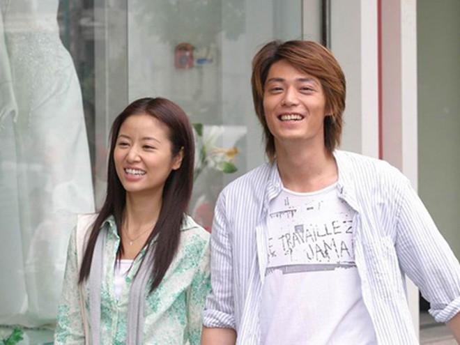 """Báo tin hỉ """"từ trên trời rơi xuống"""", các """"cặp đôi vàng"""" này của làng giải trí châu Á từng khiến truyền thông và công chúng đồng loạt điêu đứng - Ảnh 10."""