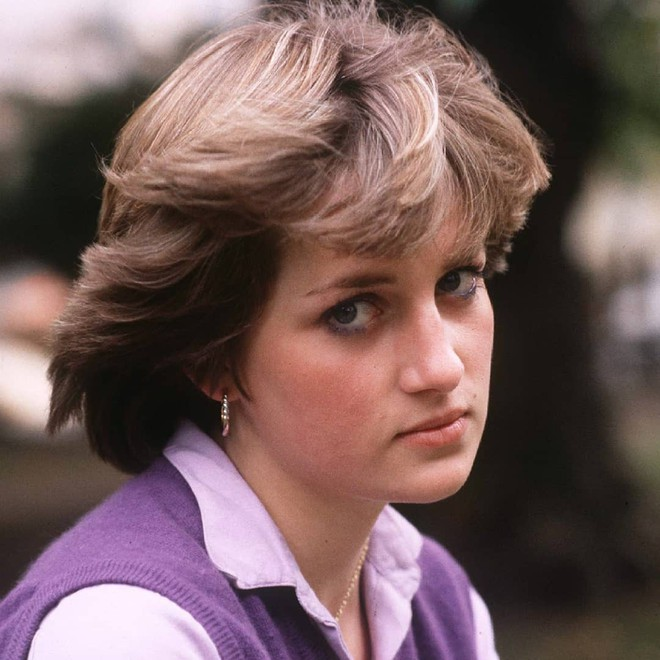 Bí mật đằng sau mái tóc ngắn hoàn hảo của Công nương Diana sẽ khiến bạn càng ngưỡng mộ sự kín đáo của bà - Ảnh 2.