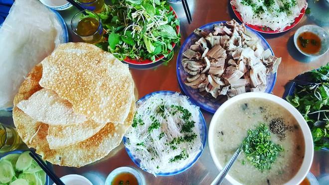 5 món ăn giá cực bình dân mà ngon xuất sắc ở Phú Yên - Ảnh 1.