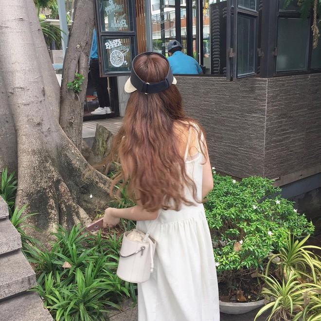 Diện chán các màu tóc tẩy thời thượng, con gái châu Á đang đồng loạt quay lại với tóc nâu hè này 1