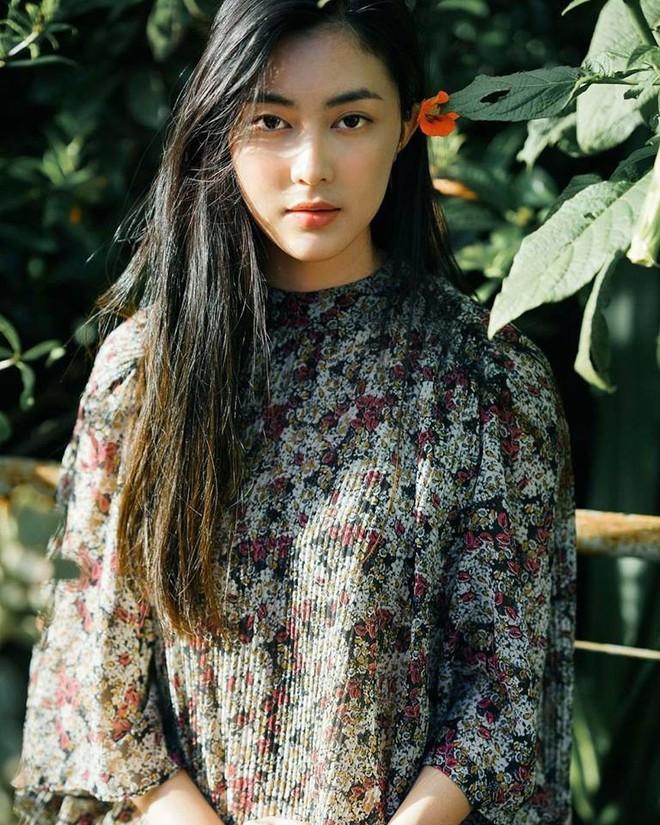 Ăn chay trường, chọn cách sống an yên, Helly Tống vẫn khiến người ta chú ý vì vẻ đẹp kiêu sa ở tuổi 23 - Ảnh 2.