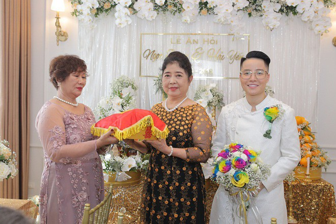 Sau đám cưới cổ tích, doanh nhân chuyển giới tiết lộ về màn cầu hôn cực kì giản dị - Ảnh 12.