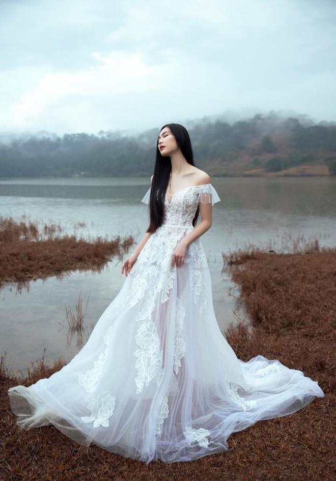 Ăn chay trường, chọn cách sống an yên, Helly Tống vẫn khiến người ta chú ý vì vẻ đẹp kiêu sa ở tuổi 23 - Ảnh 12.