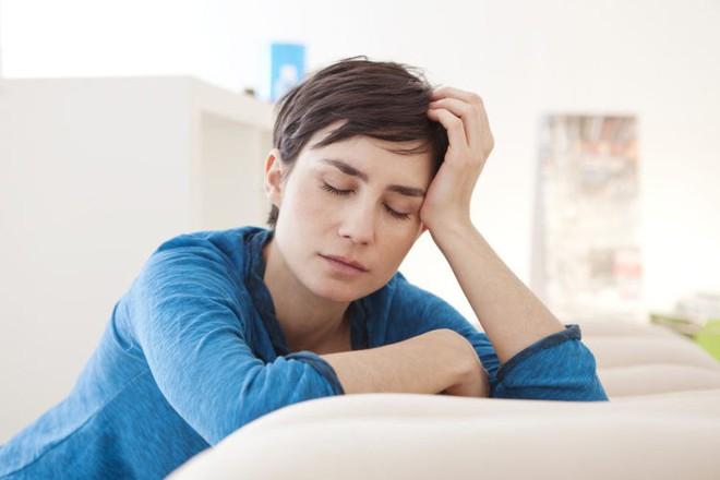 Nguyên nhân gây nên tình trạng tự chảy nước mắt không thể tự kiềm chế - Ảnh 5.
