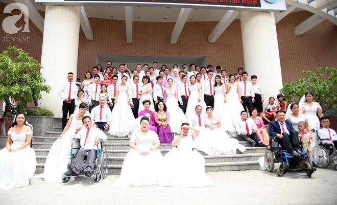 41 cặp đôi khuyết tật vỡ òa hạnh phúc trong đám cưới tập thể tại Hà Nội - Ảnh 2.
