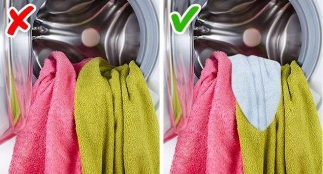 9 mẹo hay trong giặt giũ giúp áo quần lúc nào cũng như mới tinh như vừa mua về - Ảnh 5.