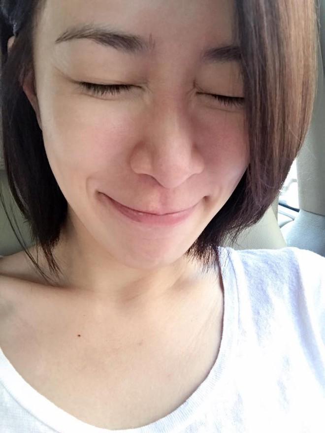 Bước sang tuổi 43, mỹ nhân TVB Xa Thi Mạn chẳng ngại khoe mặt mộc trắng hồng không tì vết - Ảnh 2.