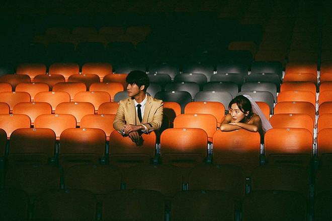 Bộ ảnh cưới đẹp mê đang khuấy đảo MXH: Thần thái quá đỗi tự nhiên, tình và mãn nguyện - Ảnh 4.