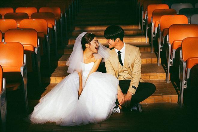 Bộ ảnh cưới đẹp mê đang khuấy đảo MXH: Thần thái quá đỗi tự nhiên, tình và mãn nguyện - Ảnh 5.