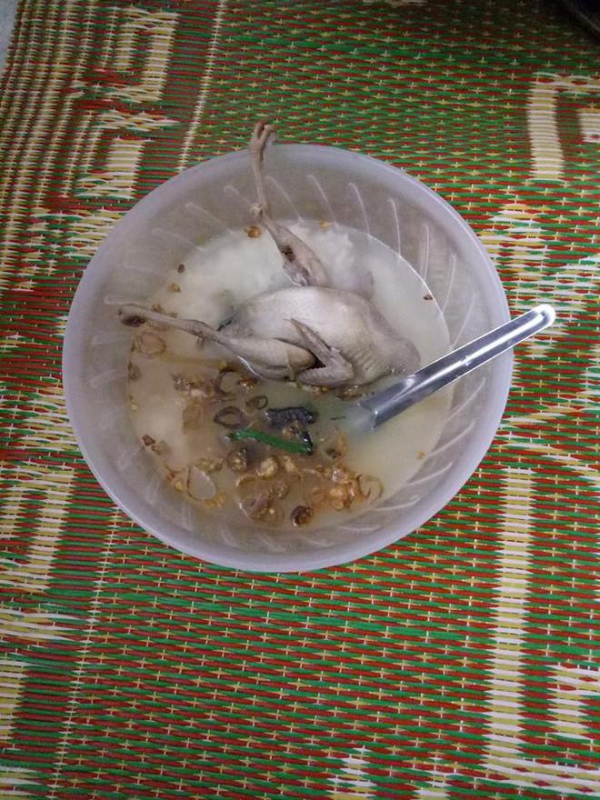 Món cháo chim trắng mồ côi thứ nào ra thứ đó của anh chồng nấu cho vợ an thai khiến dân tình cười rơi rụng - Ảnh 2.