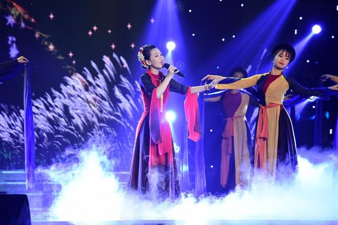 NSƯT Kim Xuân chê đội Ngô Kiến Huy - Khả Như lòe loẹt, mắc lỗi trang phục - Ảnh 8.