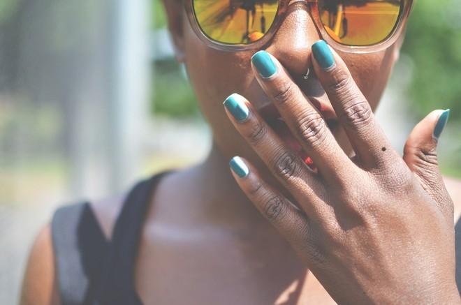 Phụ nữ có nốt ruồi trên các ngón tay sẽ gặp may mắn hay là vận xui? - Ảnh 2.