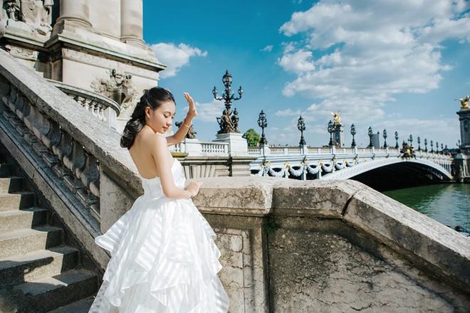 Chàng bác sỹ chi khoản tiền lớn đưa người yêu sang Pháp chụp ảnh cưới chỉ vì đó là mơ ước của em - Ảnh 11.