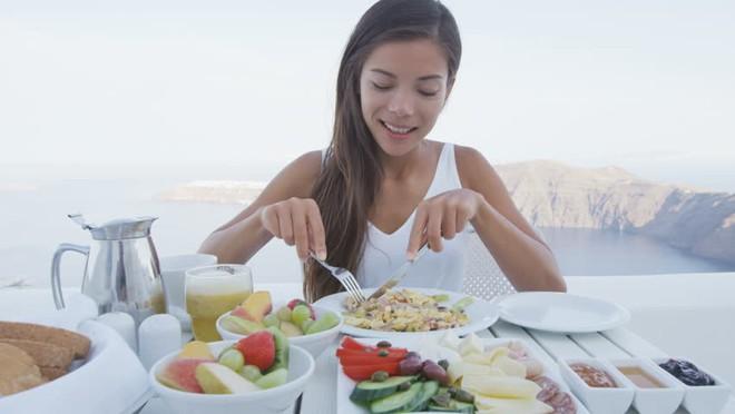 7 thực phẩm giúp bạn tỉnh táo tốt hơn cà phê - Ảnh 1.