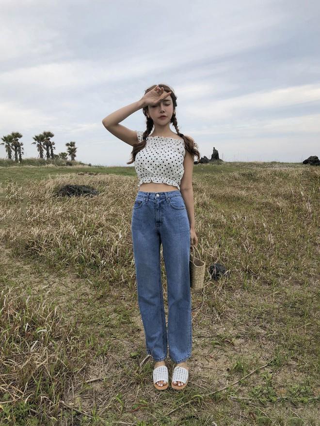 Me quan jeans say dam nhung ngai nang nong, cac nang cu dien jeans dang suong de vua mat me lai chuan trendy