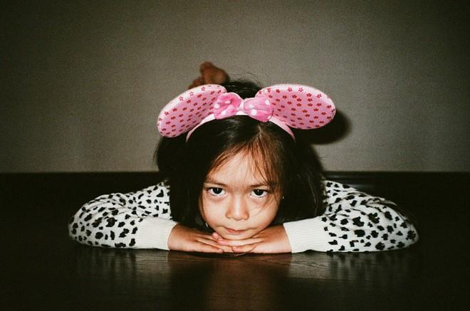 Công chúa lai nhà Đoan Trang xinh đẹp và chất lừ qua ống kính của cậu ruột - Ảnh 4.