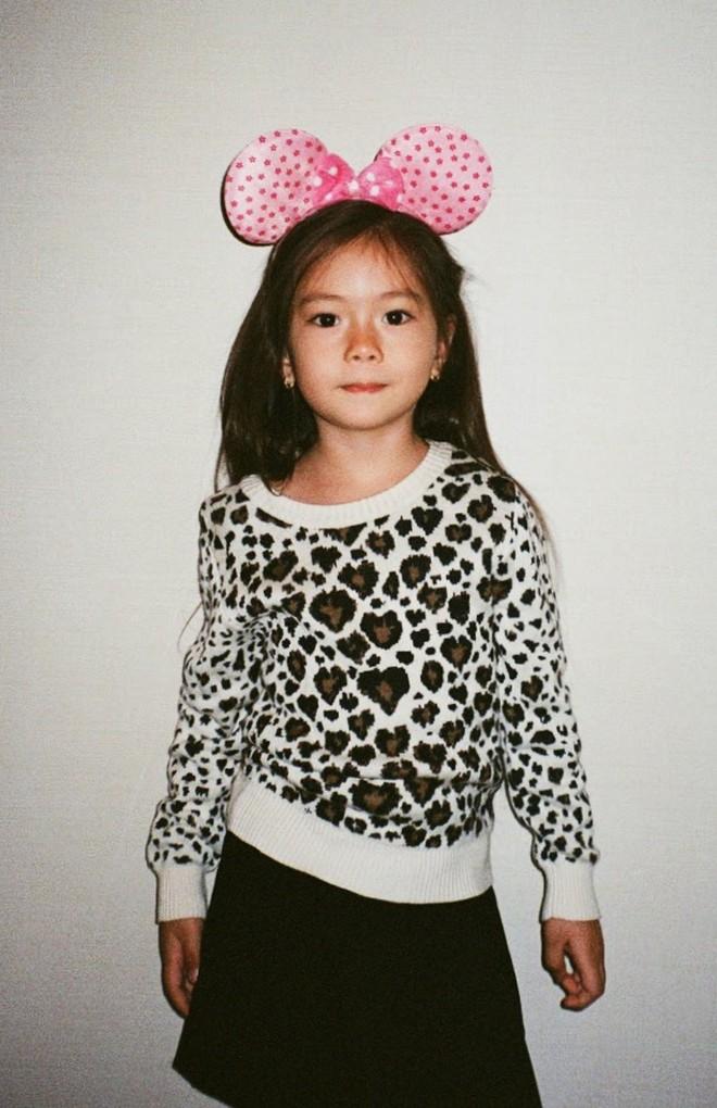 Công chúa lai nhà Đoan Trang xinh đẹp và chất lừ qua ống kính của cậu ruột - Ảnh 7.