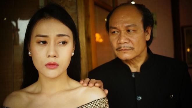 Phương Oanh Ngược chiều nước mắt phải uống thuốc giảm đau, đóng loạt cảnh cưỡng hiếp gây sốc trong phim về gái làng chơi - Ảnh 2.