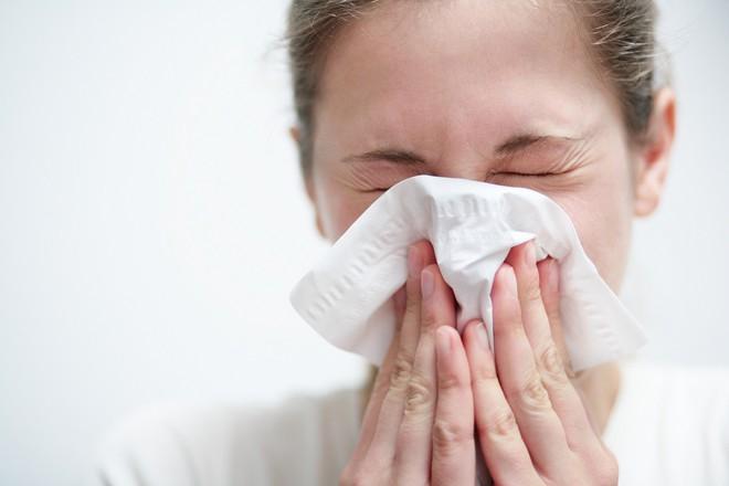 Đang mùa dịch cúm A/H1N1, bạn đã biết các dấu hiệu nhận biết căn bệnh này chưa? - Ảnh 2.