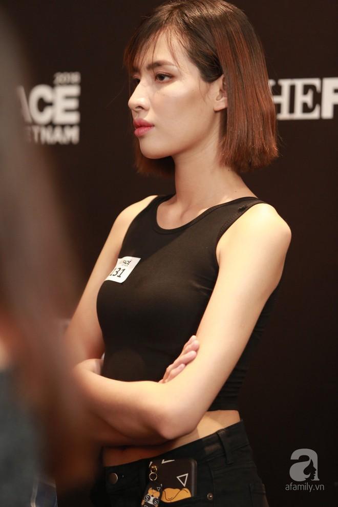 Trai xinh gái đẹp Hà Nội đổ xô đi casting The Face, Thanh Hằng - Võ Hoàng Yến - Minh Hằng chưa xuất hiện - Ảnh 4.