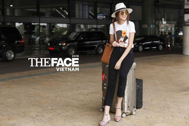 Đều lên đồ ra sân bay chuẩn bị casting The Face, Thanh Hằng - Minh Hằng mặc đẹp bất phân thắng bại - Ảnh 1.