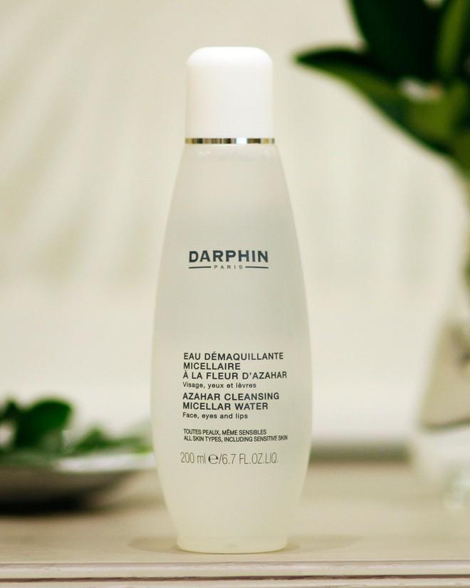 Chỉ áp dụng quy trình dưỡng tối giản với 5 sản phẩm, BTV làm đẹp này đã có làn da đẹp đến mức không phải động đến kem nền - Ảnh 3.