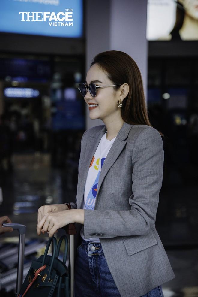 Đều lên đồ ra sân bay chuẩn bị casting The Face, Thanh Hằng - Minh Hằng mặc đẹp bất phân thắng bại - Ảnh 5.
