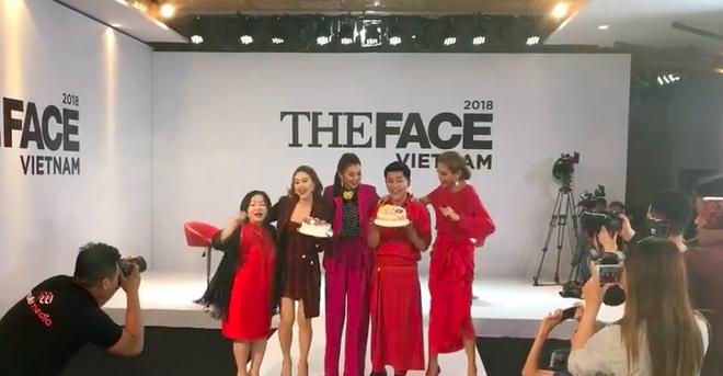 Võ Hoàng Yến - Minh Hằng - Thanh Hằng choàng vai bá cổ hát mừng sinh nhật Nam Trung  - Ảnh 3.