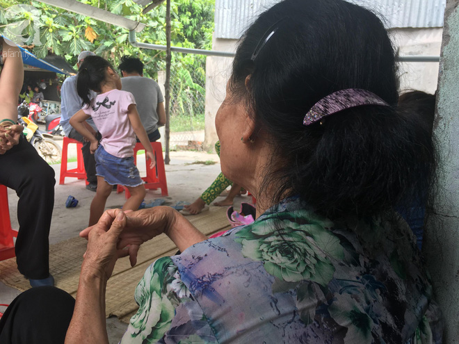 Bà nội bé gái 10 tuổi nghi bị bố ruột hiếp dâm nhiều lần ở Long An: Con bé sợ cả nhà bị bố nó giết nên nào dám kể cho ai nghe - Ảnh 4.
