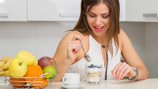 Giải mã những hiểu lầm: Nên và không nên ăn trái cây khi nào, có nên ăn trái cây buổi tối không? - Ảnh 4.