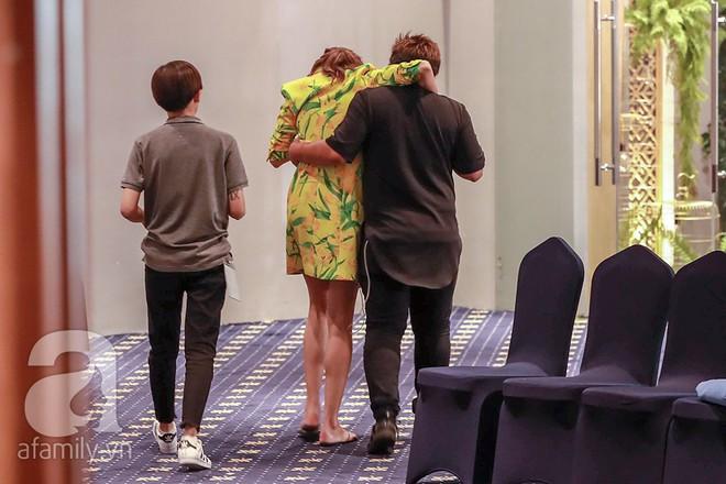 Gặp phải sự cố bất ngờ, Võ Hoàng Yến bật khóc giữa phim trường The Face 2018 - Ảnh 4.