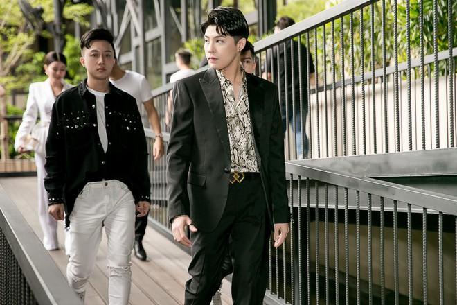 Noo Phước Thịnh, Vũ Cát Tường, Hiền Hồ... xuất hiện nổi bật tại sự kiện ra mắt Bảng xếp hạng âm nhạc - Ảnh 1.