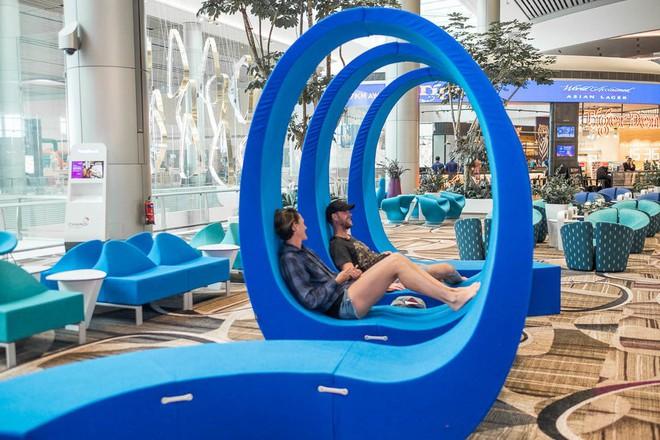 Changi có nhiều tiện nghi mua sắm, giải trí thế này, bảo sao luôn nằm trong top sân bay được ưa thích nhất thế giới - Ảnh 15.