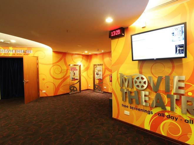 Changi có nhiều tiện nghi mua sắm, giải trí thế này, bảo sao luôn nằm trong top sân bay được ưa thích nhất thế giới - Ảnh 2.