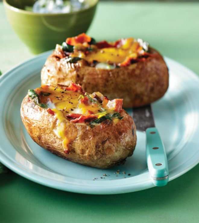 Bữa sáng không thể ngon hơn với món khoai tây nướng trứng thơm phức - Ảnh 4.