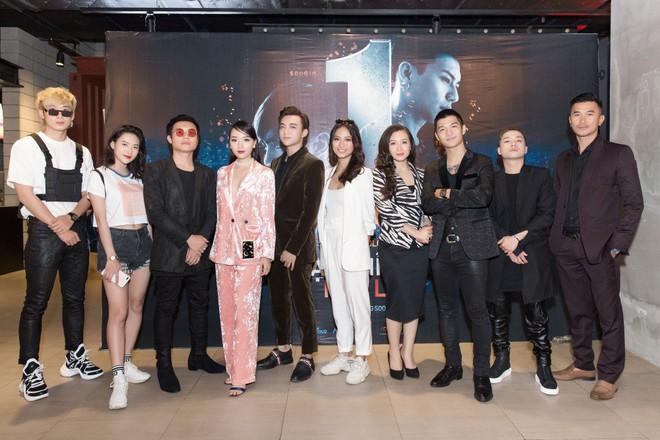 Soobin Hoàng Sơn bảnh bao trong buổi ra mắt phim điện ảnh đầu tay - Ảnh 11.