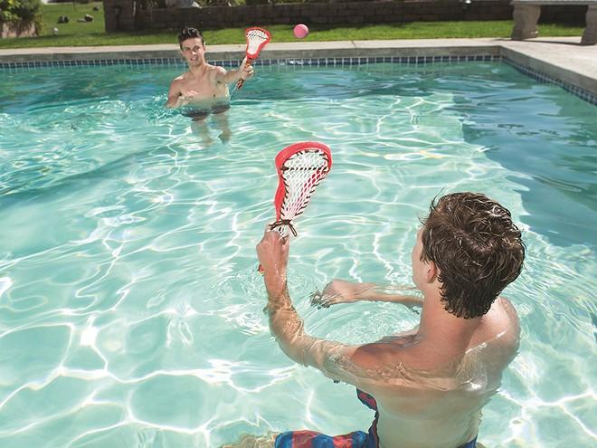 Top 5 bộ đồ chơi đáng sắm dịp hè này để cả nhà thoả sức chơi đùa tại bể bơi - Ảnh 7.