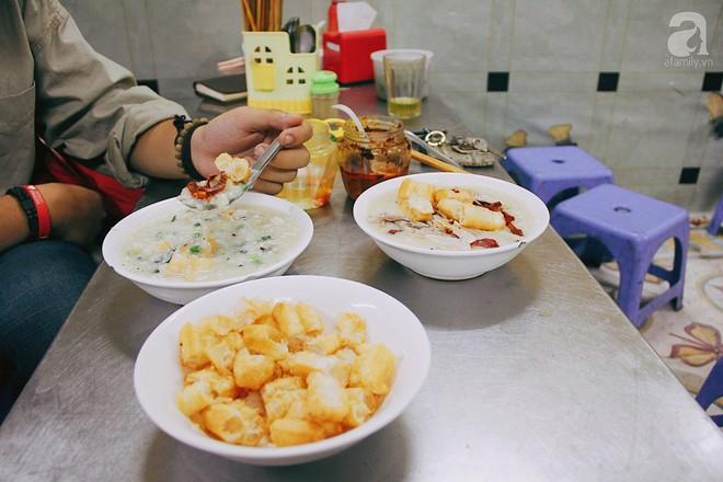 Khám phá món cháo đậu xanh bò khô có 1-0-2 gần 10 năm tuổi trong ngõ Bạch Mai - Ảnh 5.